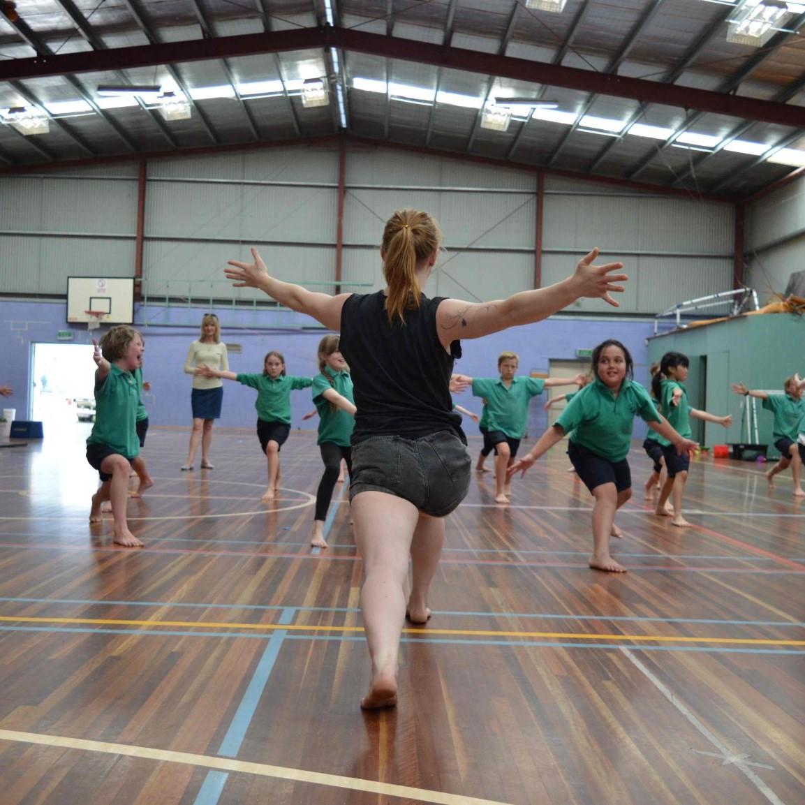 2020 Circus Oz Week of Workshops SQ